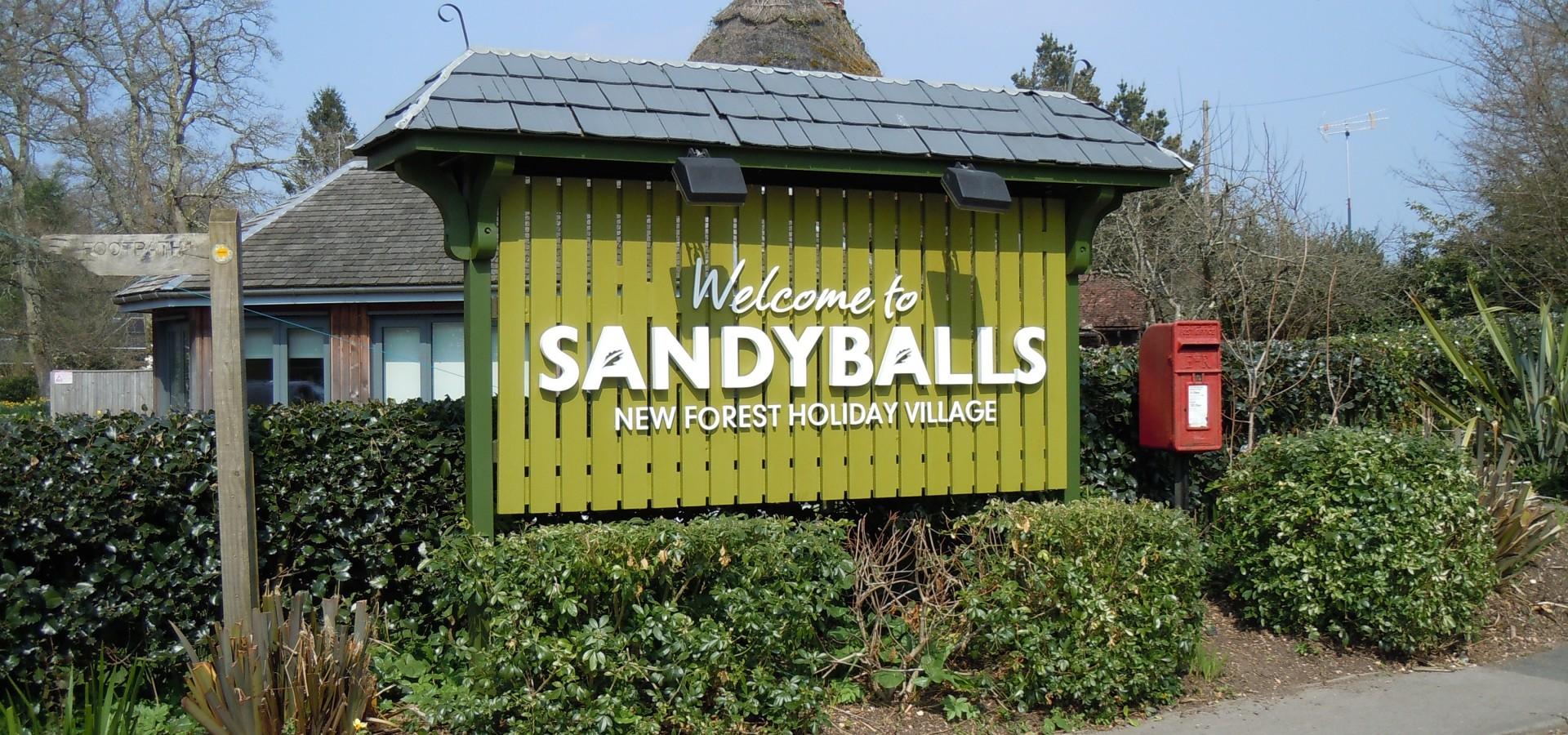 Sandy Balls Top Tourist