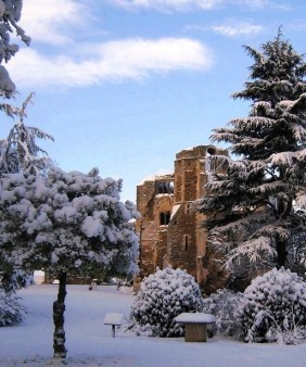 Newark Castle xmas snow cropped - Copy